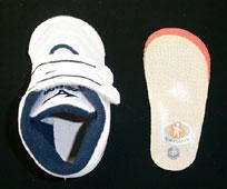 足育を促す「正しい靴の選び方」とは? POINT 3 中敷き(インソール)をはずしてサイズが確認できる靴